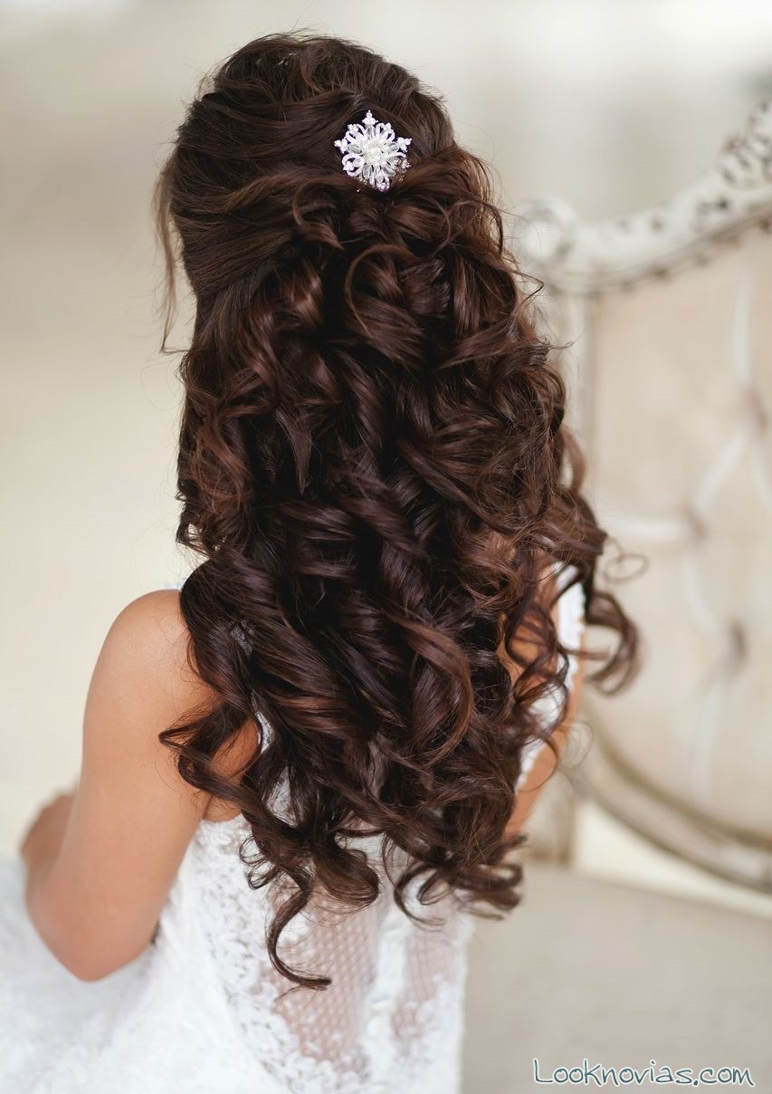 semi-recogido elegante para novias
