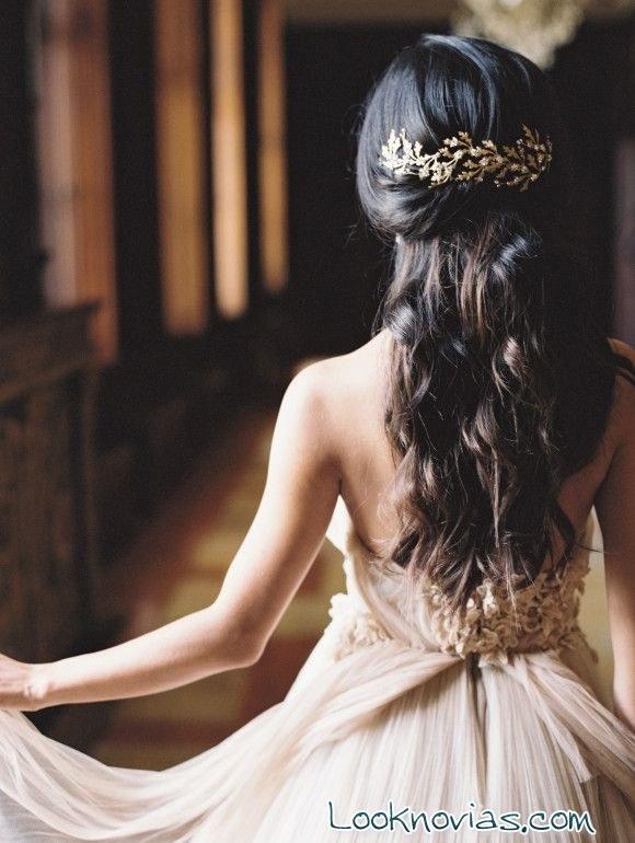 semi-recogido para novias juveniles