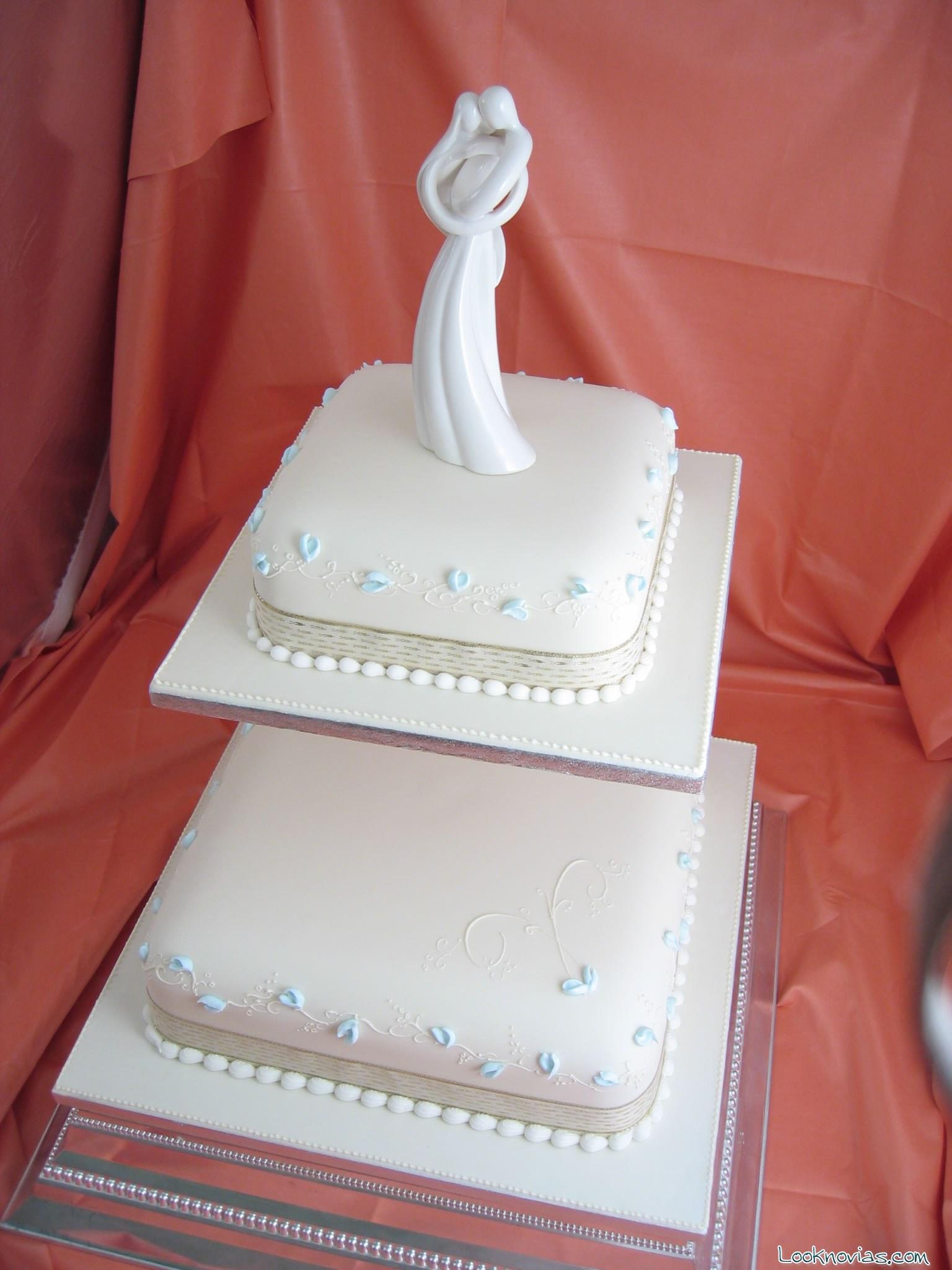 tarta cuadrada decorada para boda