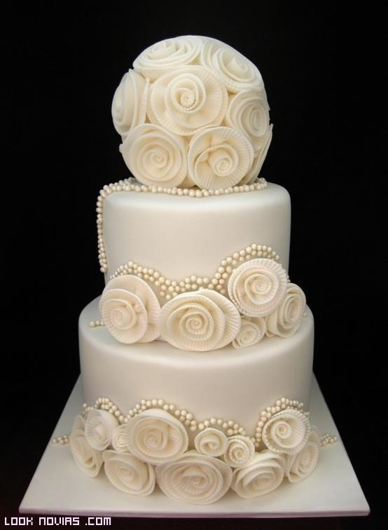 tartas con flores blancas para bodas