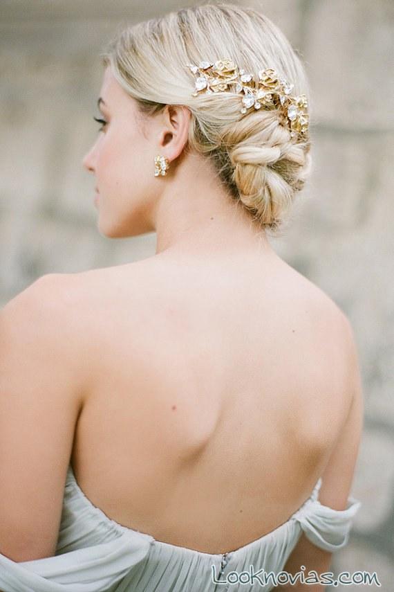tocado dorado para novia