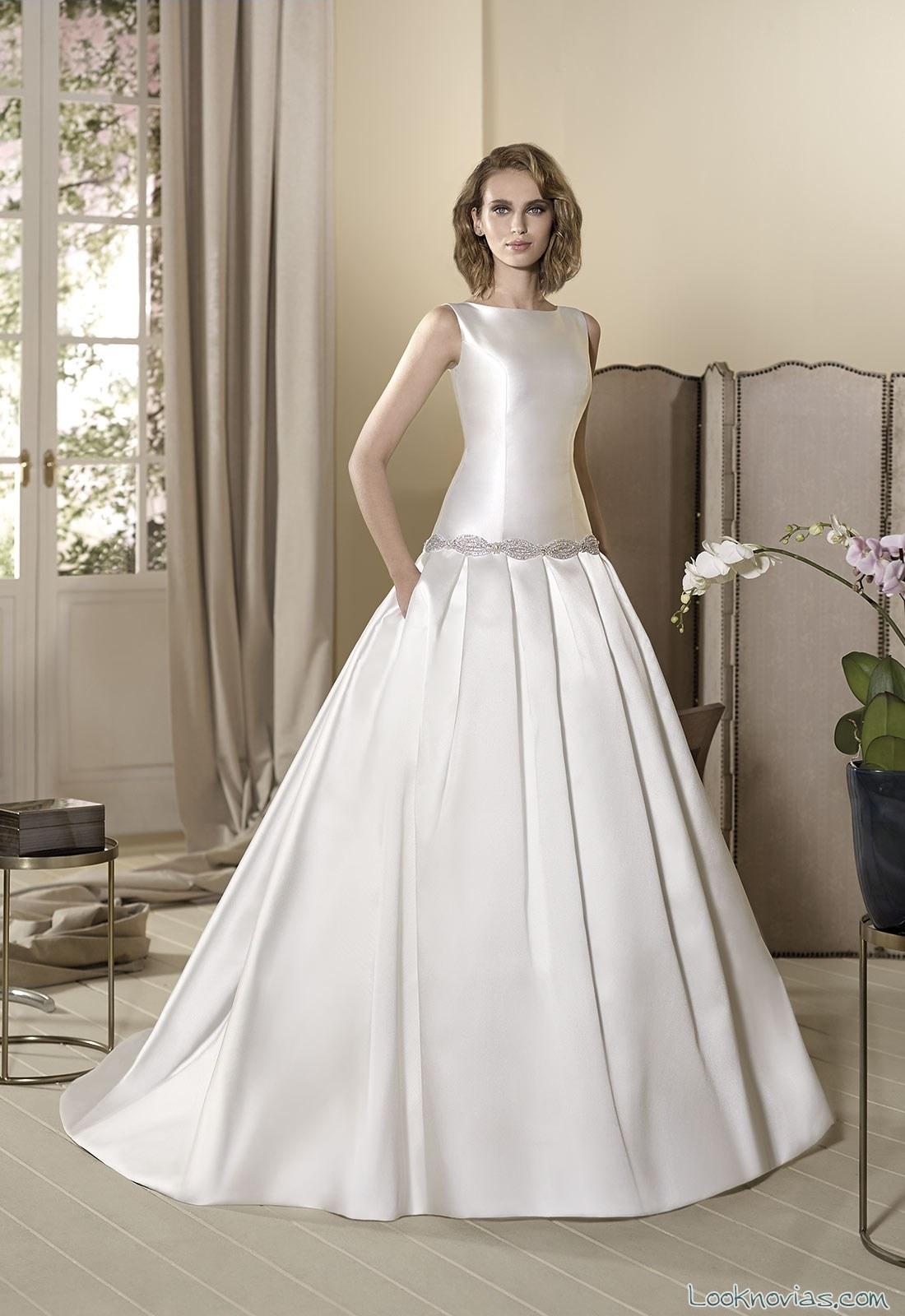 traje de novia cabotine con cuerpo satinado