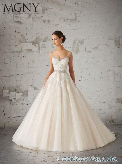 trajes de novia con encajes de madeline gardner