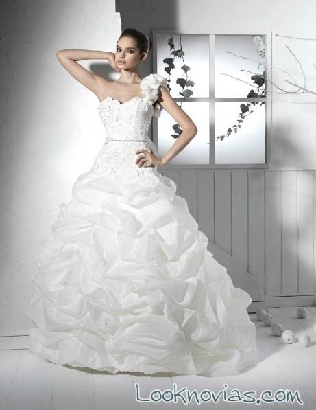 vestido asimétrico maria karin