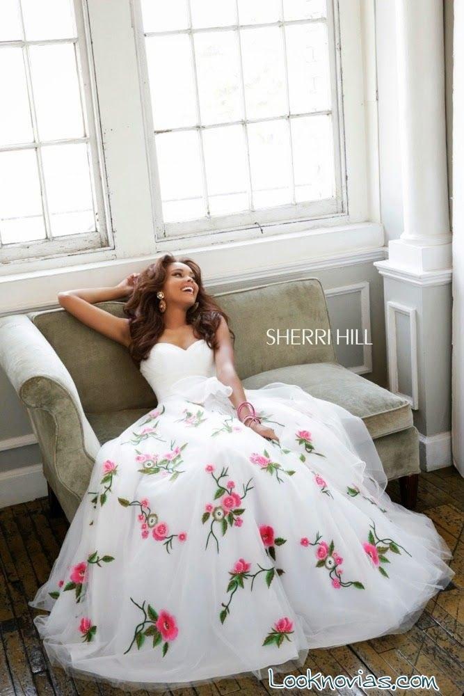 vestido blanco con flores Sherri Hill