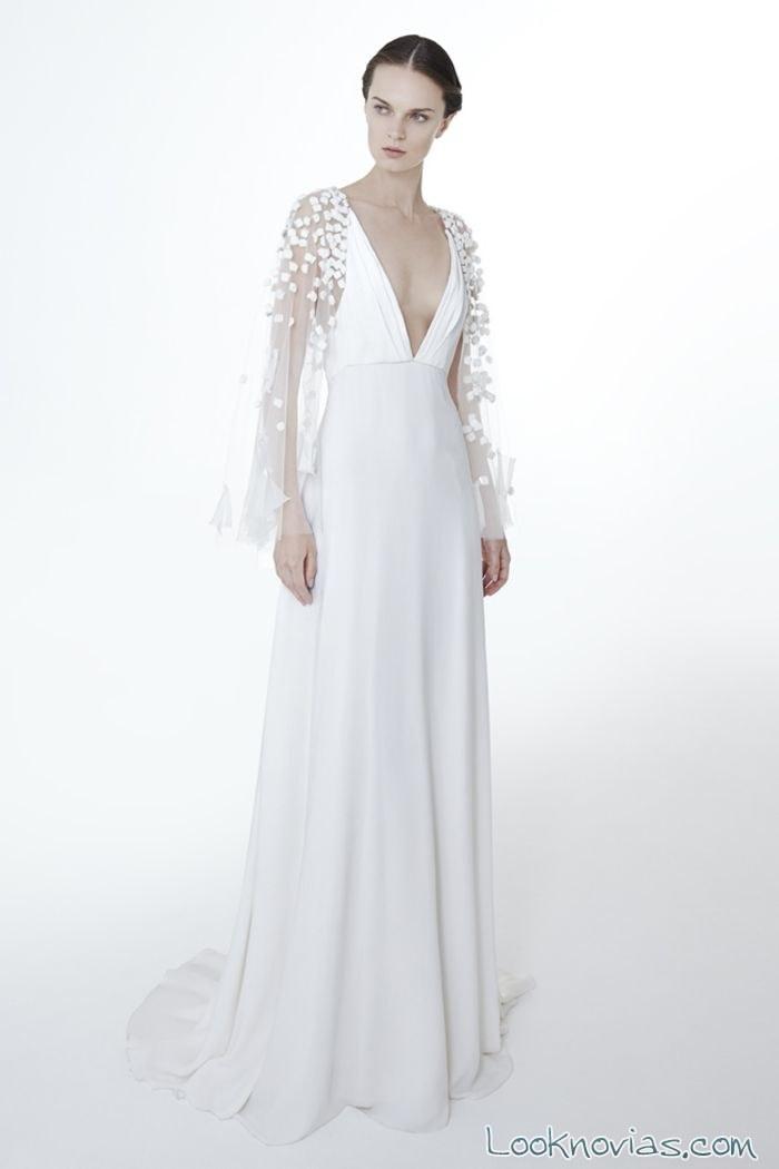 vestido blanco delicado con mangas tul