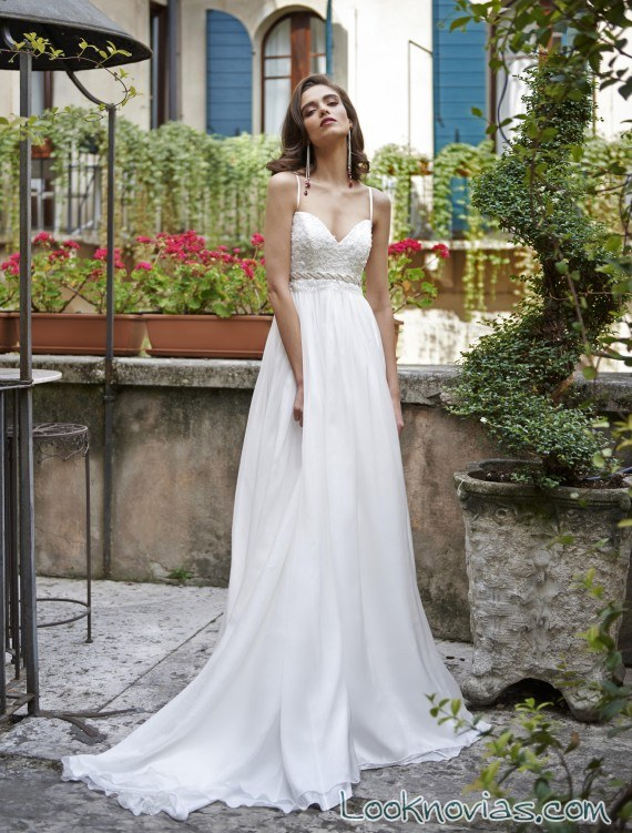 vestido blanco recto con volumen stephanie allin