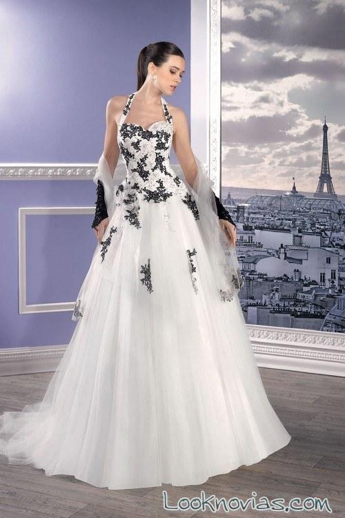 vestido bordados blanco y negro