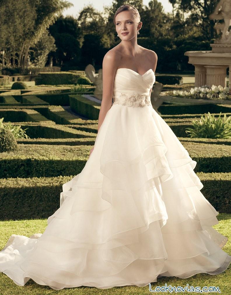 vestido casablanca bridal con volantes
