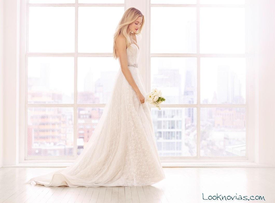 vestido colección Ti Adoro de Alvina Valenta