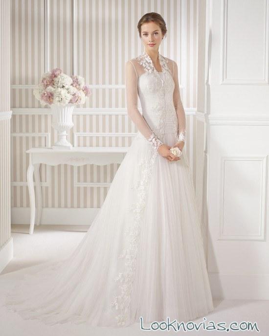vestido con abrigo de luna novias