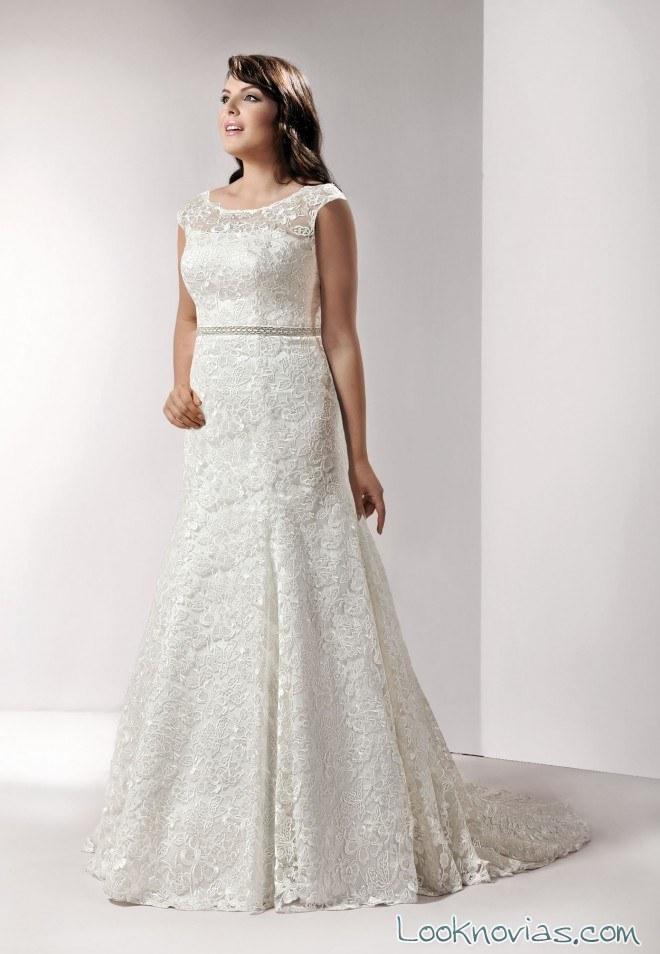 vestido con encajes para novias de talla grande