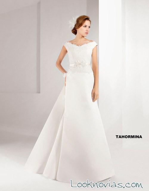 vestido con escote de hombros caídos lugo novias