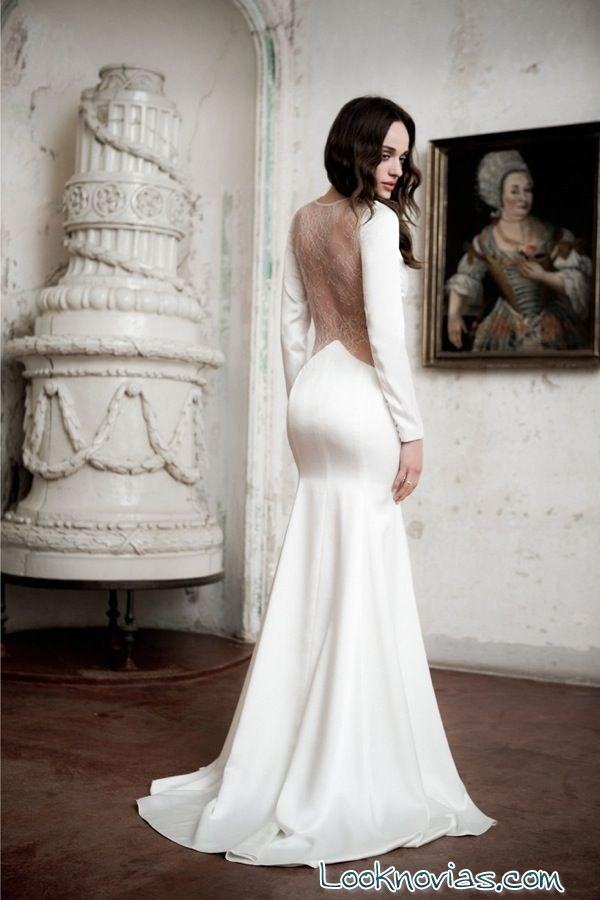 vestido con escote trasero daalarna