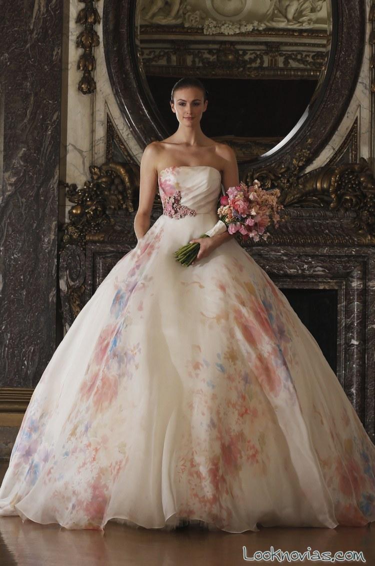 vestido con flores para novias