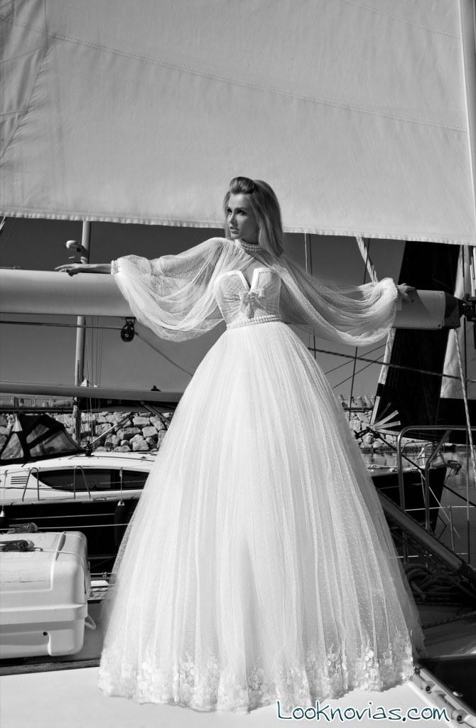 vestido con mangas de novia
