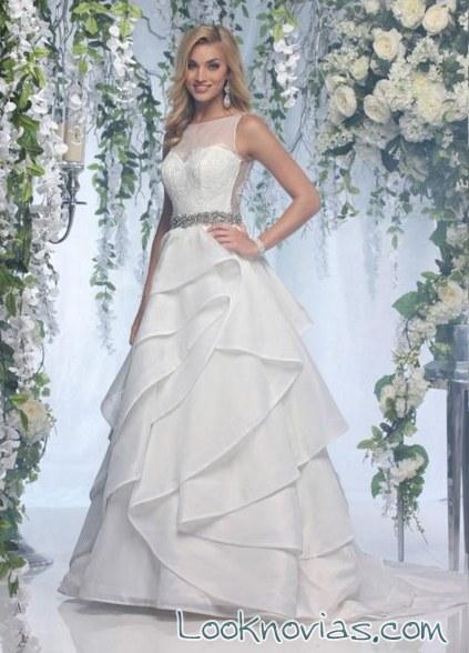 vestido con volantes de impression bridal