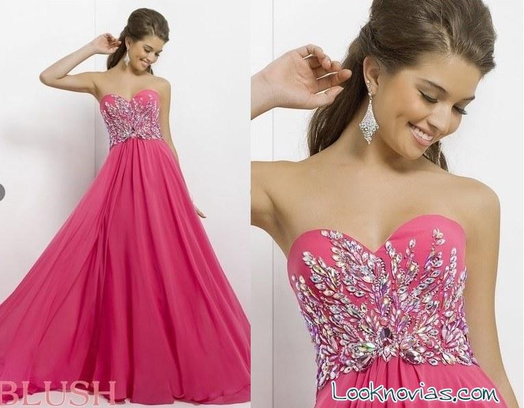 vestido coral con pedrería