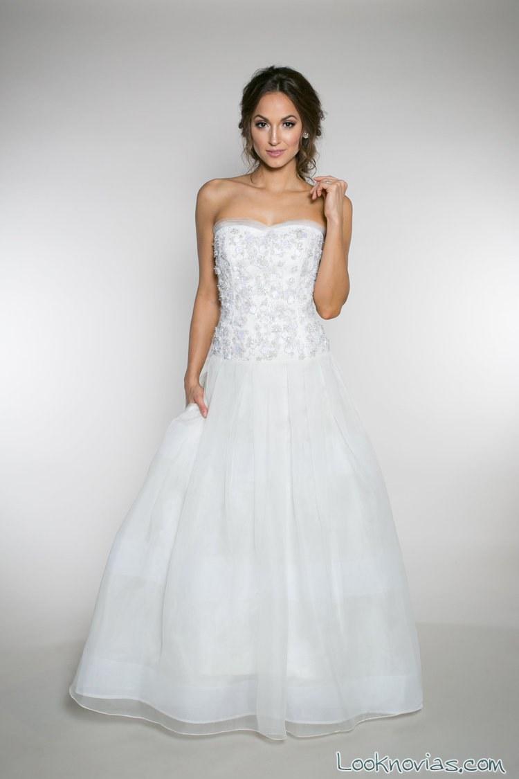 vestido corpiño con falda evasé de novia