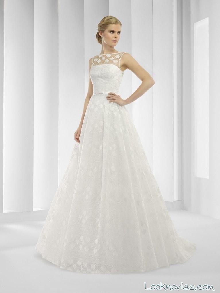 vestido corte a con escote transparente