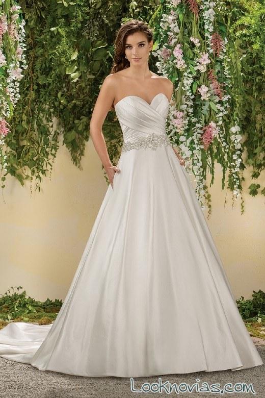 vestido corte corazón y evasé jasmine bridal