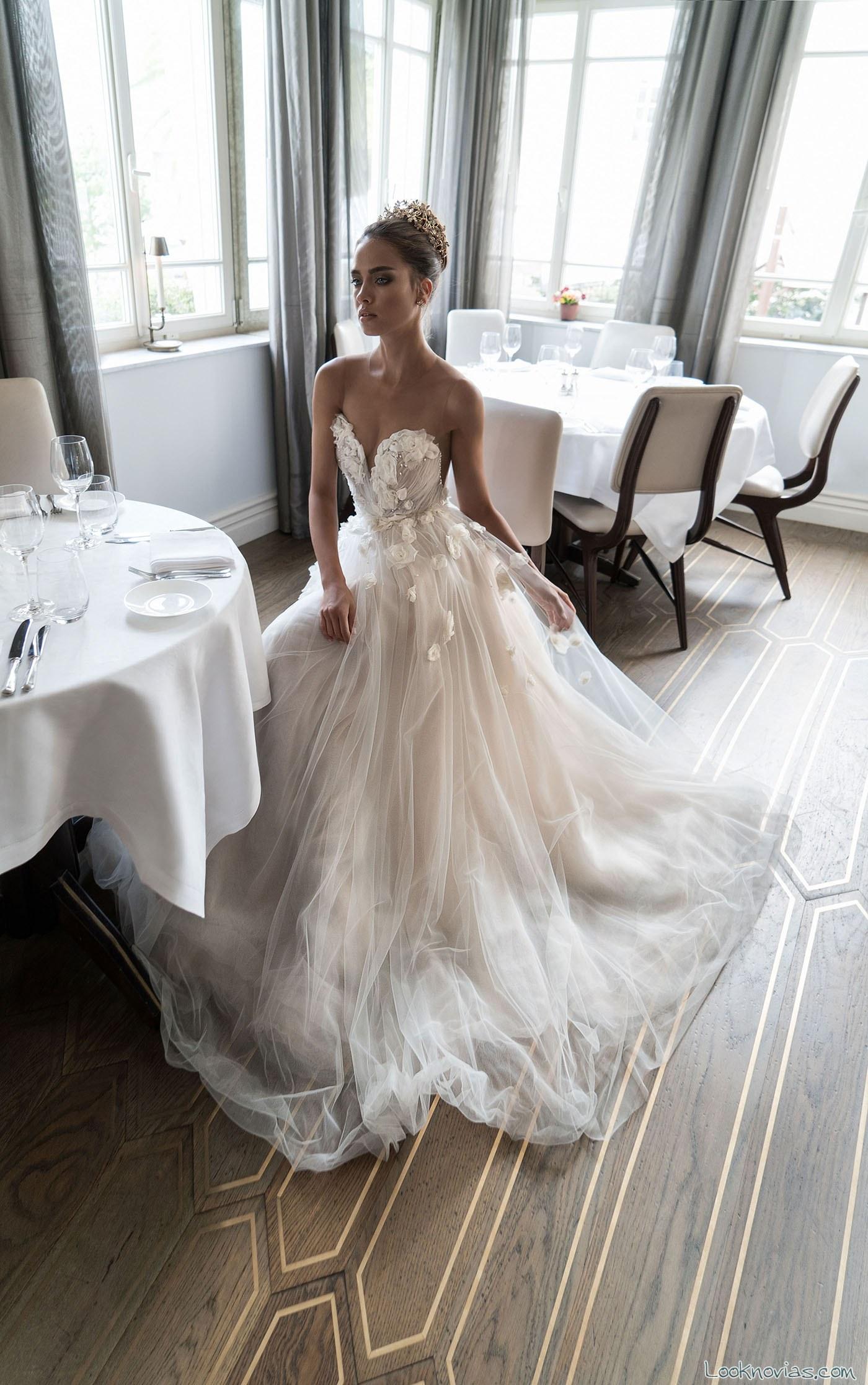 vestido corte strapless elihav sasson