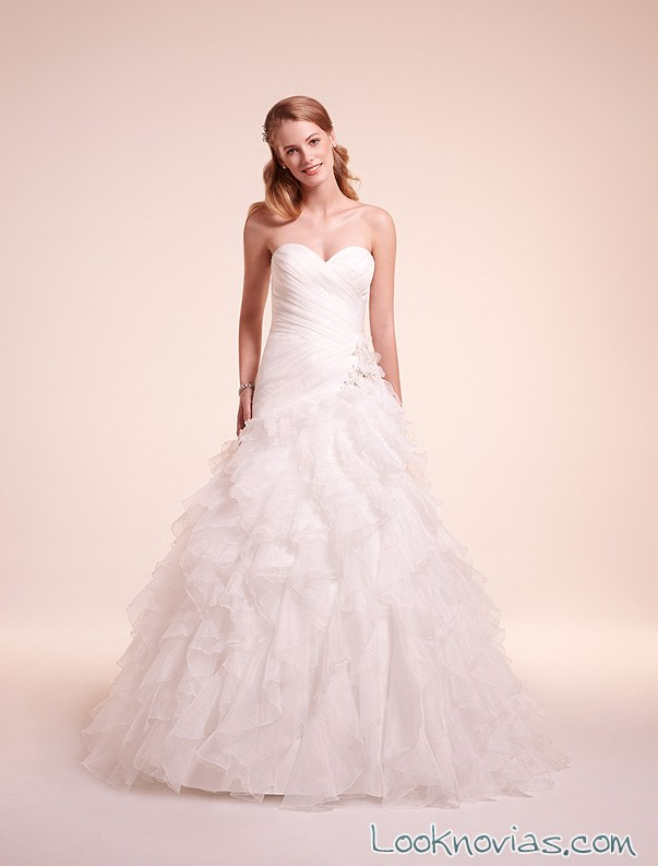 vestido de novia alita graham con volantes