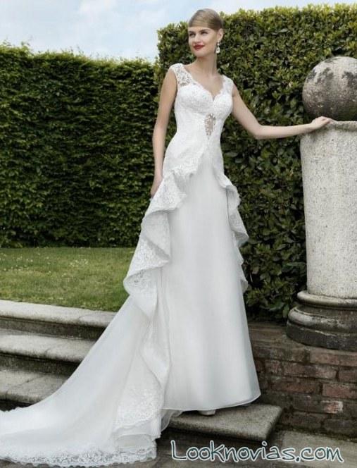 vestido de novia con capa de valentini spose