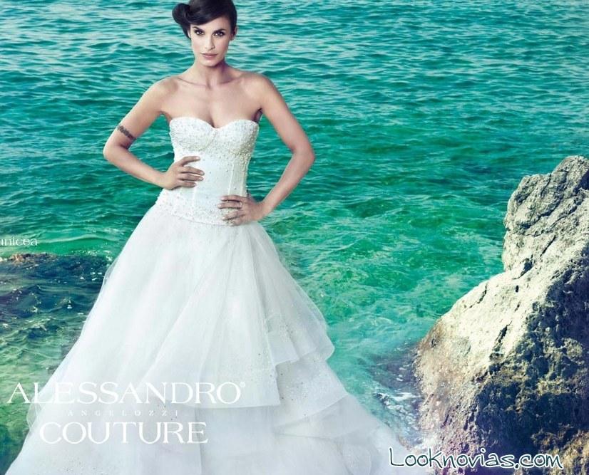 vestido de novia con corpiño de Alessandro Angelozzi