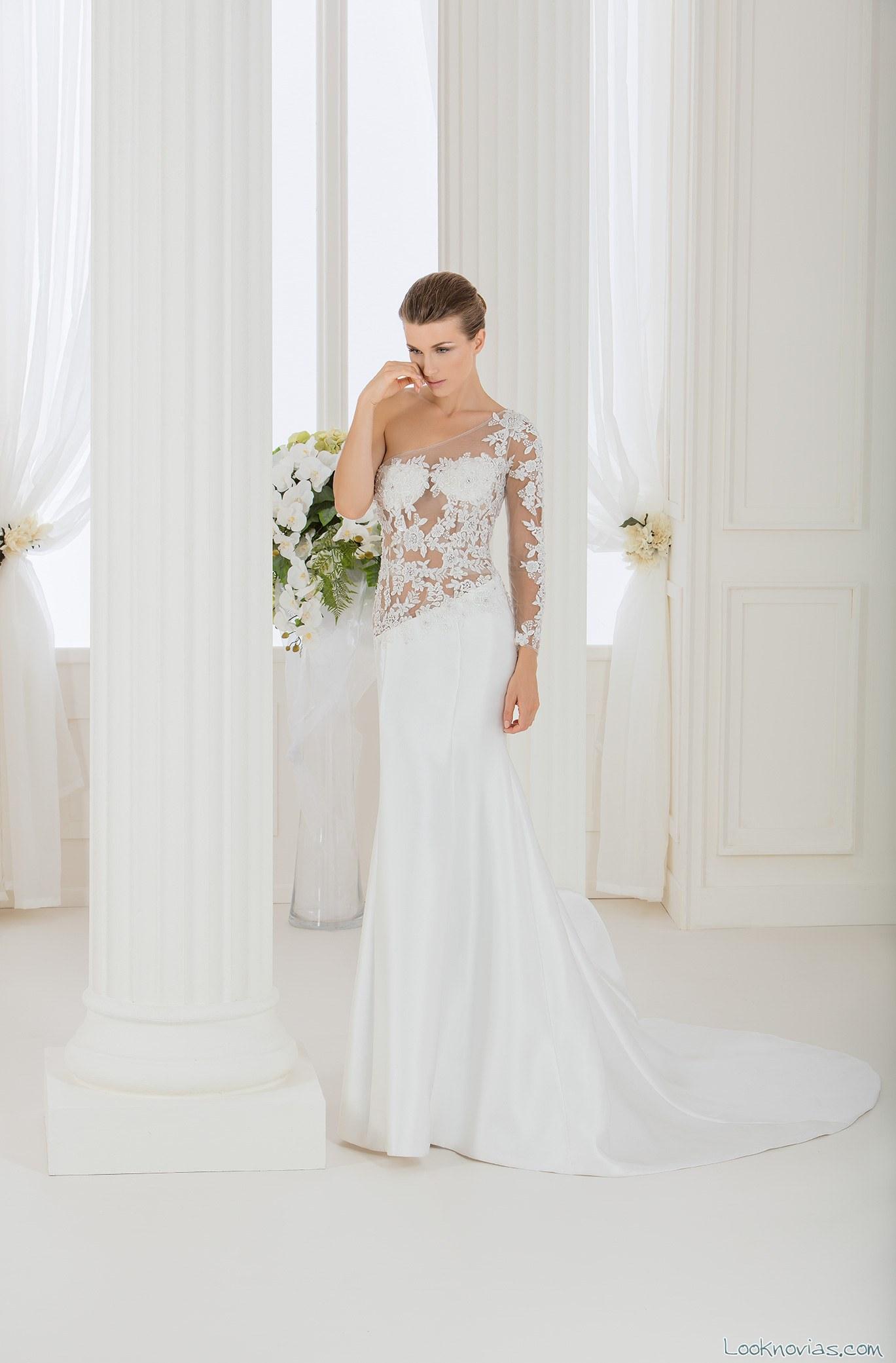 vestido de novia con cuerpo transparente