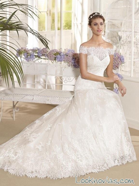 vestido de novia con escote hombros caídos fara sposa