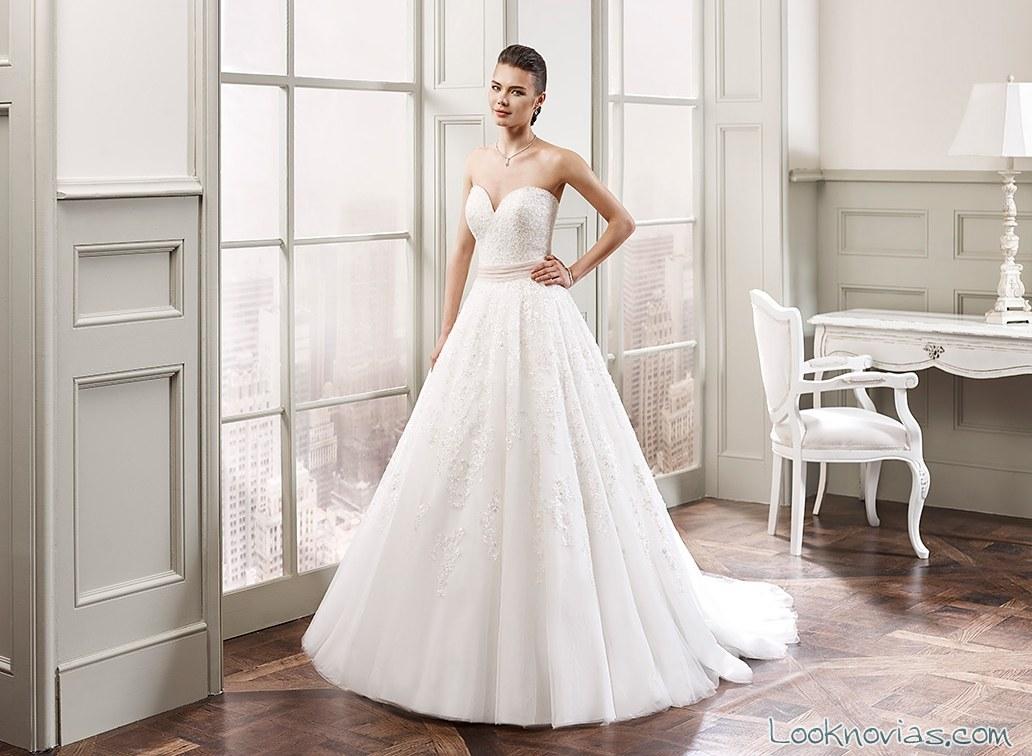 vestido de novia con escote milano