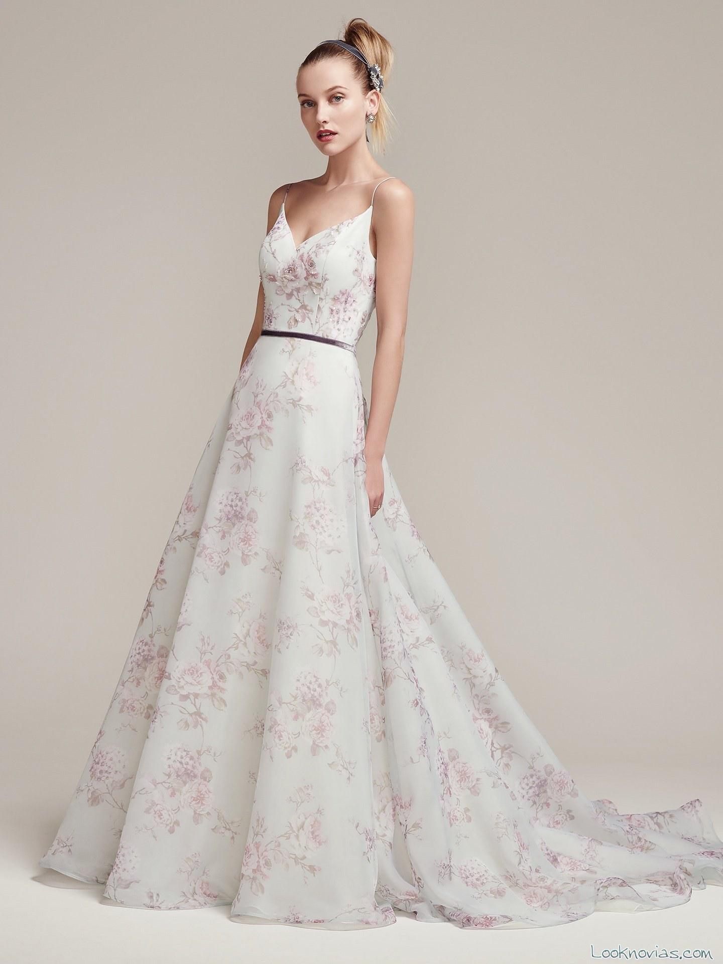 vestido de novia con estampados de flores en color