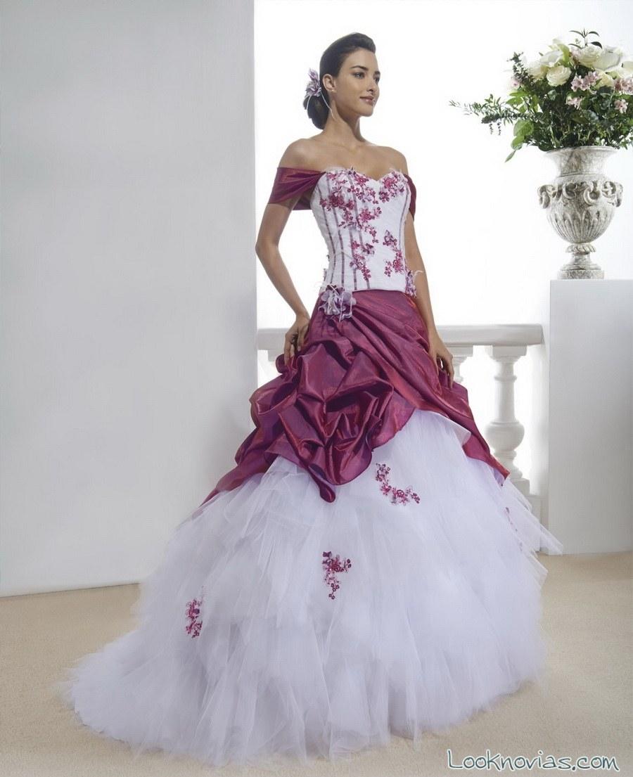 vestido de novia con falda en rosa fuerte