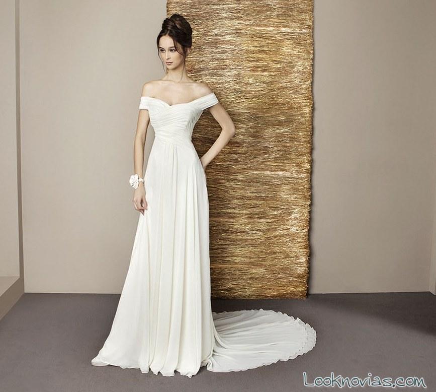 vestido de novia con hombros caídos de antonio riva
