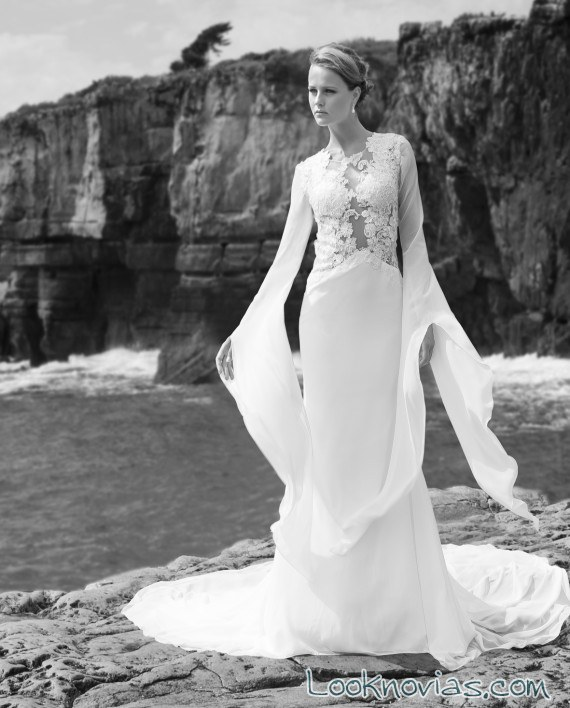 vestido de novia con mangas por maria karin