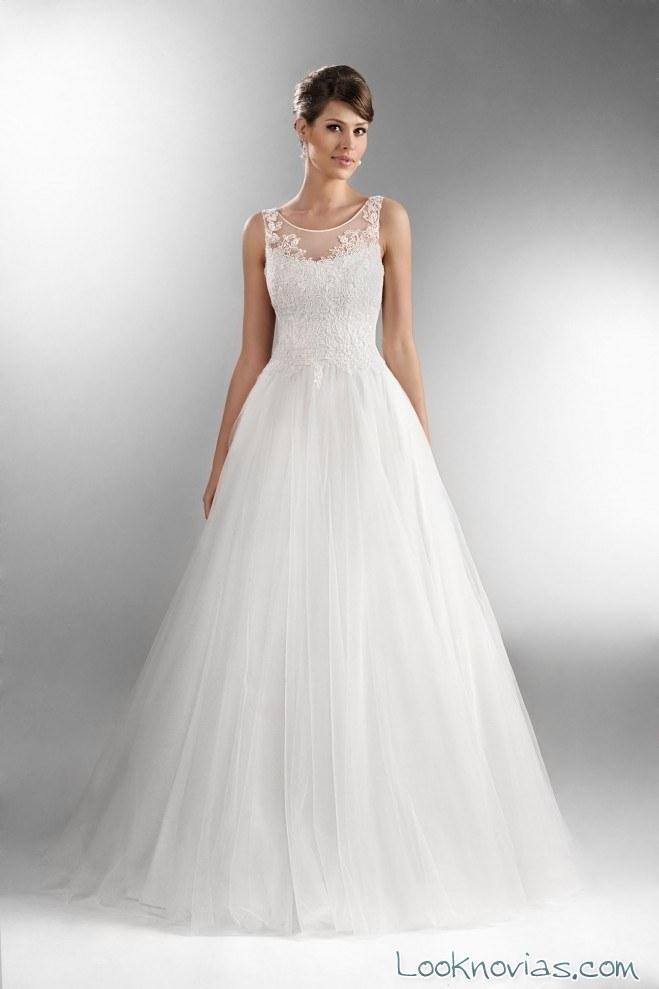 vestido de novia con tirantes adornados