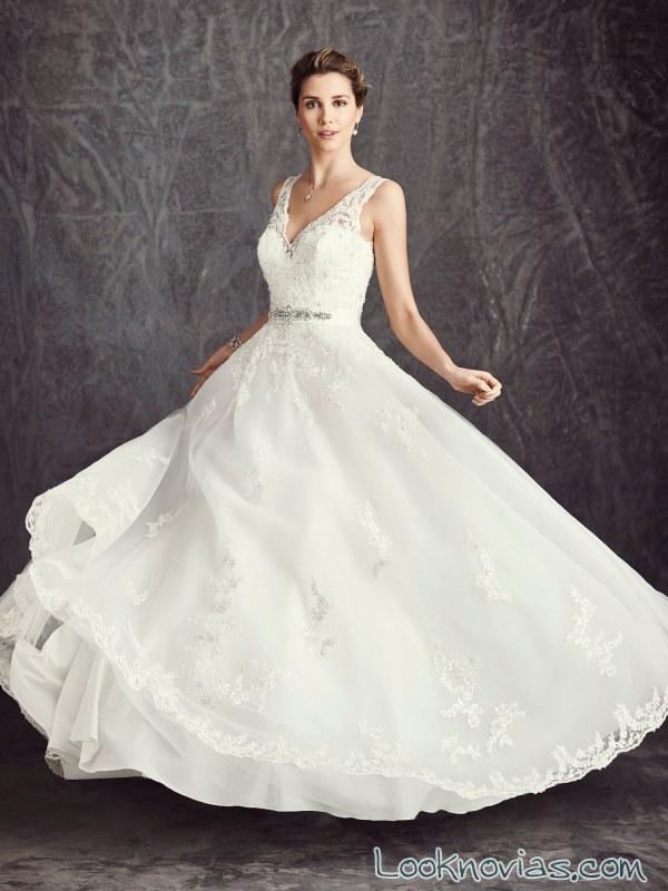 vestido de novia con tirantes de ella rosa
