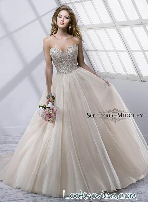 vestido de novia con tul en color