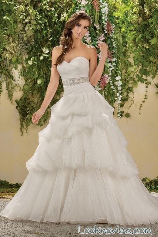 vestido de novia con volantes blanco jasmine bridal