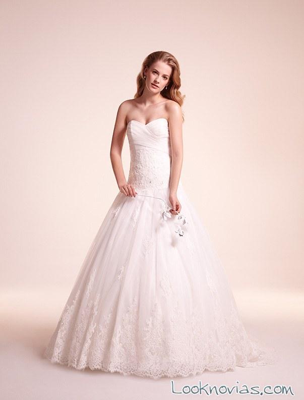 vestido de novia con volumen de alita graham