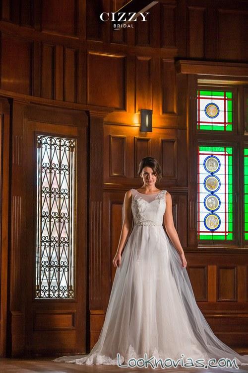 vestido de novia con volumen y doble falda