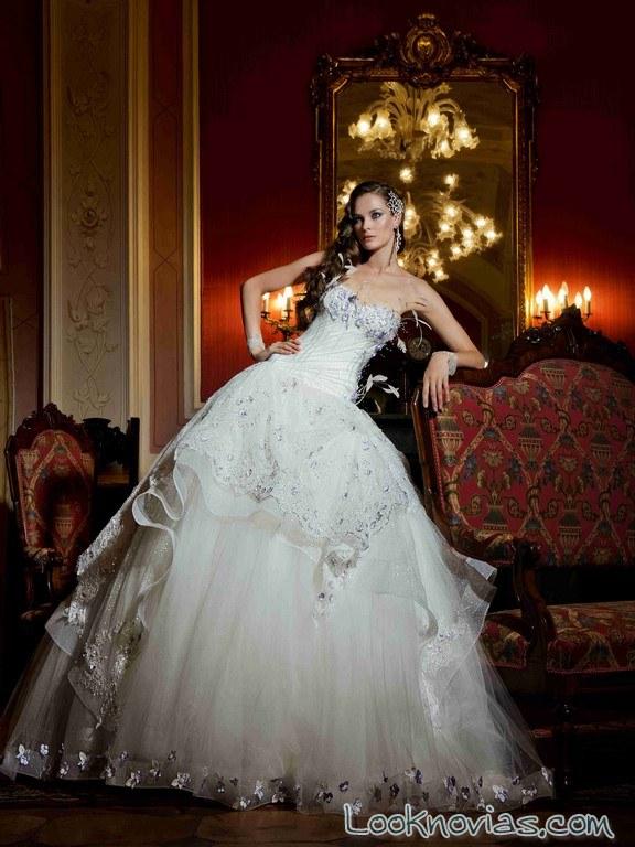 vestido de novia corte princesa y escote strapless