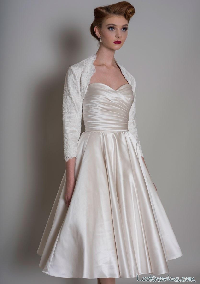 vestido de novia corto satinado