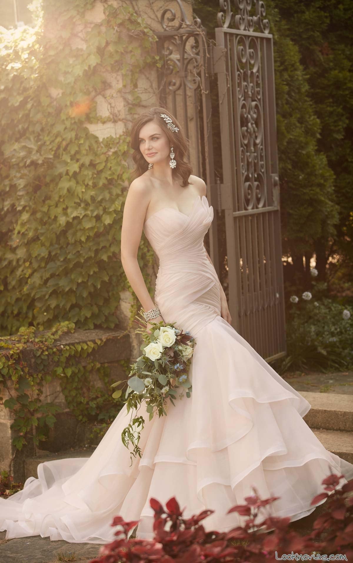 vestido de novia drapeado en color essense of australia