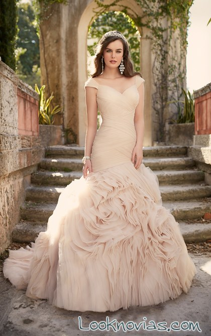 vestido de novia en color essense of australia