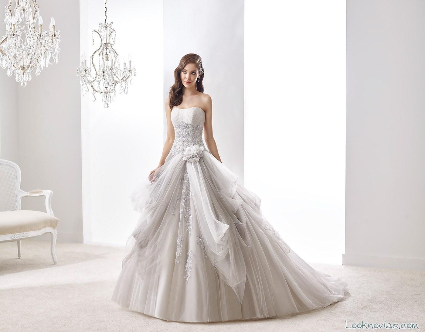 vestido de novia en colores grisáceos