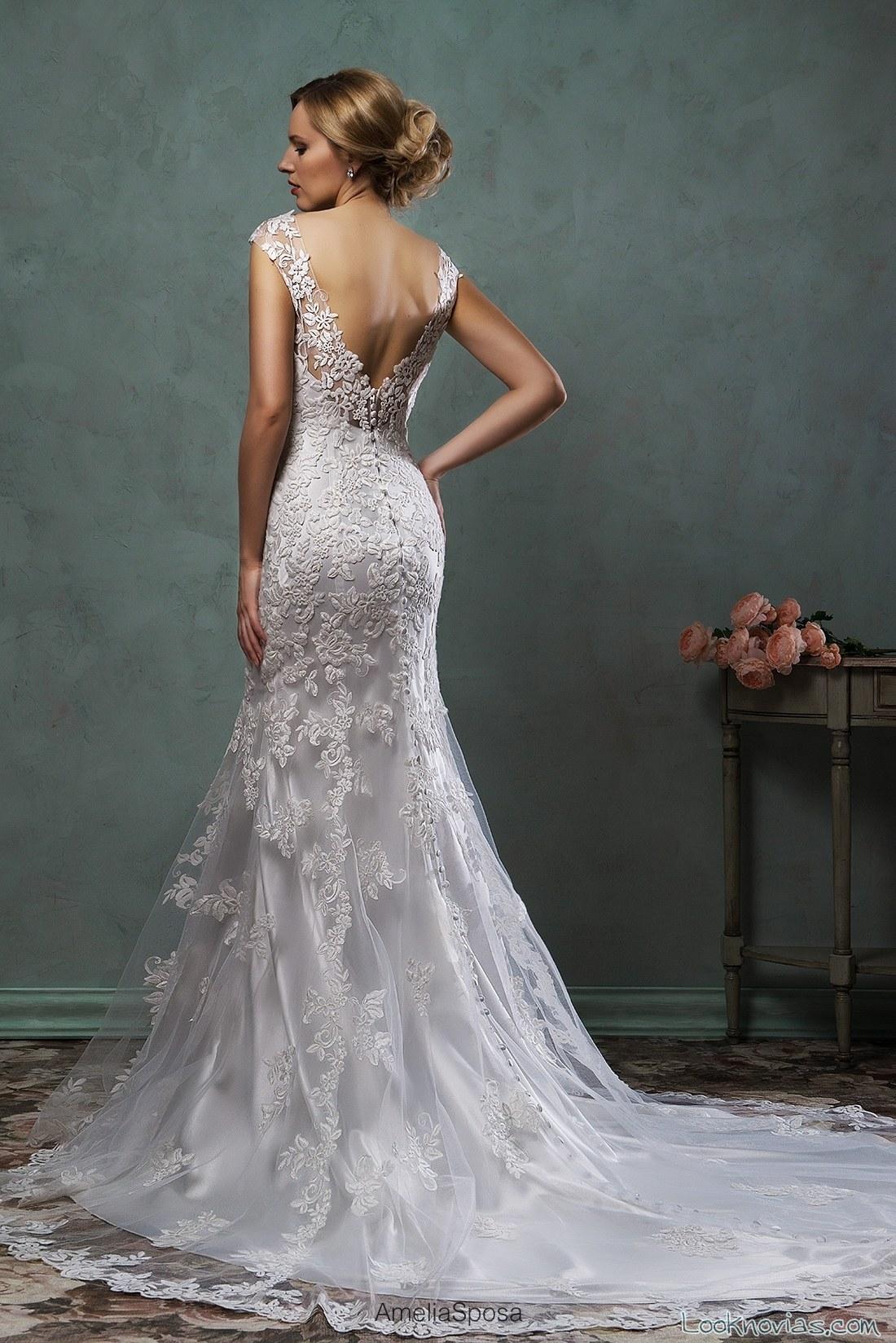 vestido de novia escote a pico parte espalda