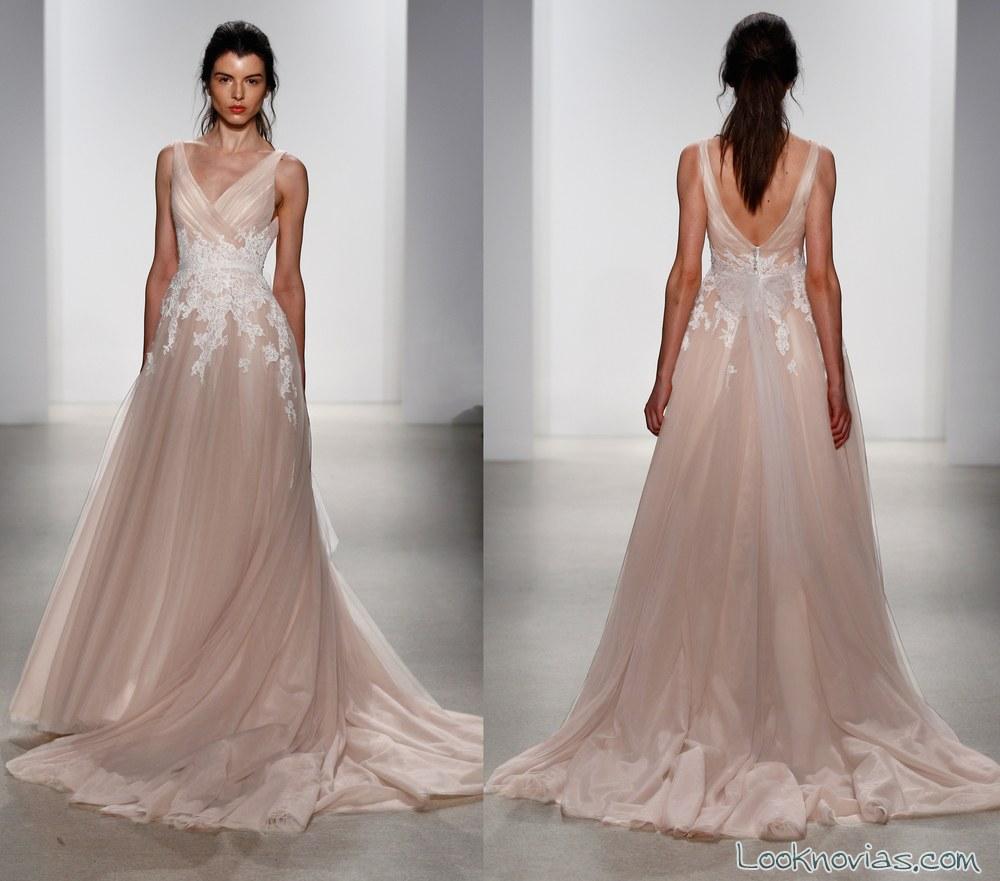 vestido de novia evasé en color