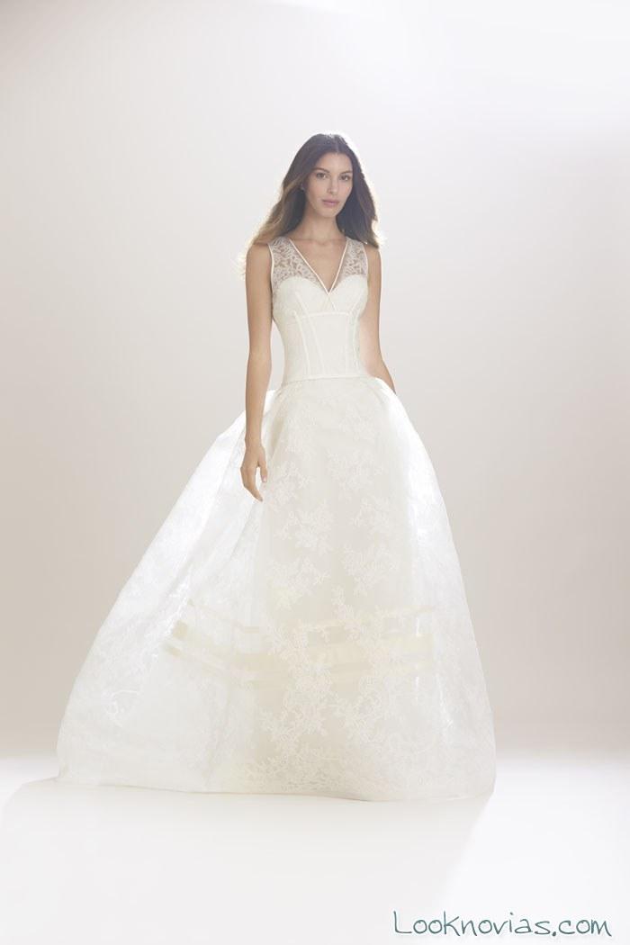 vestido de novia evasé y sencillo de carolina herrera